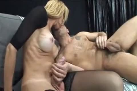 busty blond floozy gets Sucked And nails